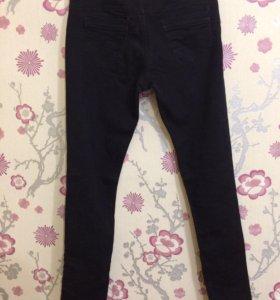 Чёрные джинсы O'stin