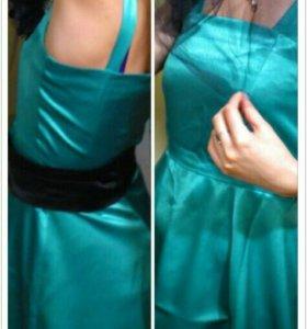 Клевое атласное платье на бретельках