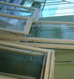 Стекло и деревянные рамы со стеклами