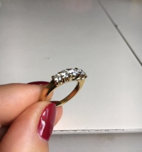 Золотое кольцо из золота 750 пробы с бриллиантами