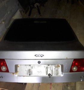 Крышка багажника со стеклом и фарами чери амулет