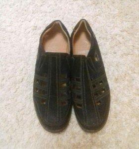 Туфли для мальчика или мужчины