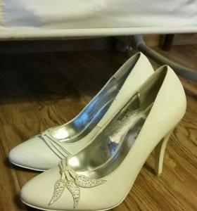 Туфли белые 38р, свадебные