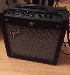 Культовый гитарный комбик Fender mustang 1