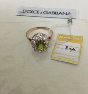 Золотые, бриллиантовые и изумрудные кольца