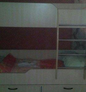 Двухярусная кроват
