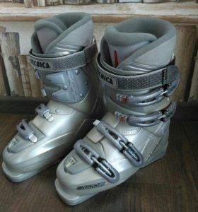 Горнолыжные ботинки 25-25,5см