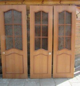 Межкомнатные двери 3 штуки