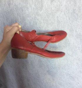 Красные туфли для танцевания