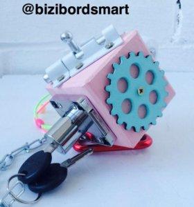 Бизикубик/развивающая игрушка/бизиборд