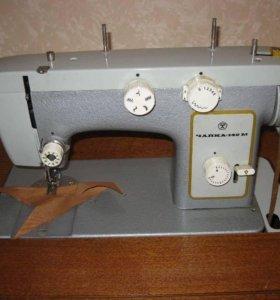 """Швейная машинка """"Чайка 142М"""""""