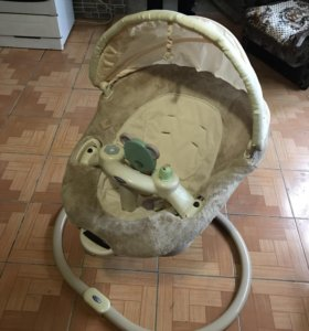 Успокаивающее кресло-качалка Graco