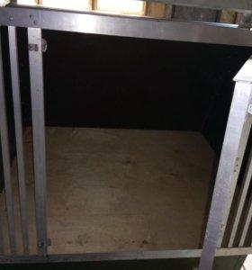 Клетка для перевозки собак в Авто