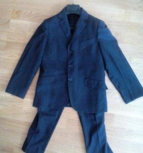 Отдам Школьный костюм для первоклассника р. 128