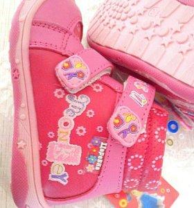 Новые ботинки демисезонные 22
