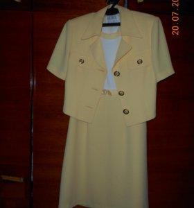 Продам платье с пиджачком