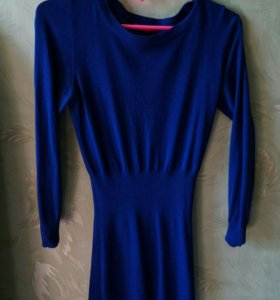 Ярко синее мини платье