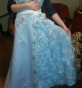 Красивое платье 46р.
