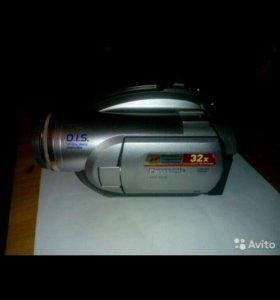 видеокамера Panasonic VDR-D220