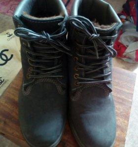 Зимние ботинки женские б.у в хорошем состоянии ..