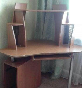 Стол для компьютера, учебы