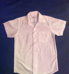 Рубашка с коротким рукавом на мальчика 8-9 лет.