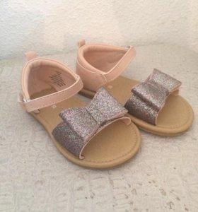 Продаются детские сандалики