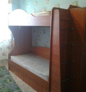 Кровать двух-ярустная