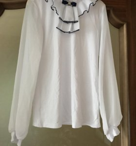 Блузка школьная ( новая)