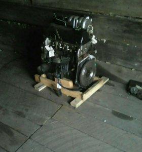 Двигатель НИВА 21214 4*4 инжектор.