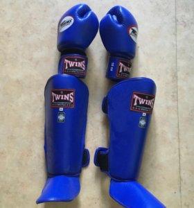 Перчатки и защита twins