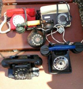 Старые советские телефоны.