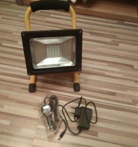 Прожектор светодиодный аккумуляторный.