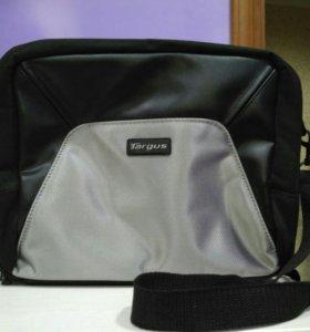 Небольшая сумка для ноутбука или планшета