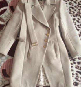 Кашемировое пальто 40-42р