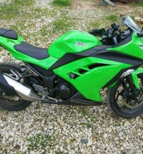 Мотоцикл Kawasaki ninja300