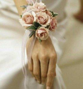 Свадебные бутаньерки для подружек невесты
