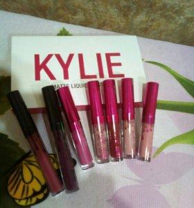 Жидкая губная помада Kylie