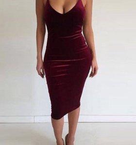 Бархатное платье М нов