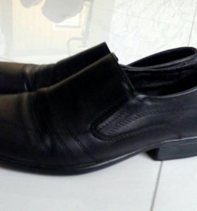 Продаются мужские кожаные туфли