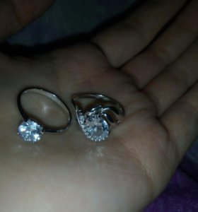 Продам серебряные кольца