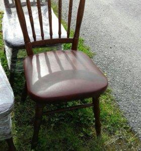 старинные дубовые стулья