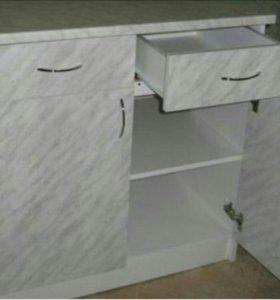 Стол и шкаф навесной , в одной цветовой гамме