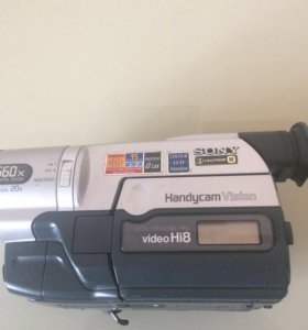 Видеокамера Sony CCD TRV208E
