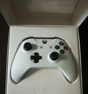 Геймпад Xbox One S белый