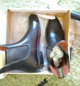 Продам обувь для конной езды