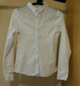 Школьная белая рубашка