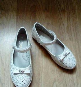 Туфли для девочки (белые)