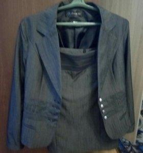 Продам костюм( пиджак+юбка)