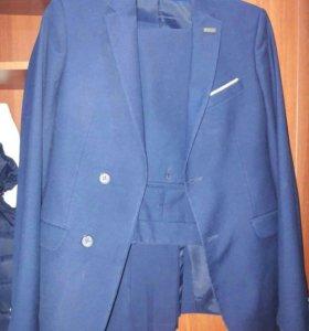 Продам школьный костюм, размер 40-42